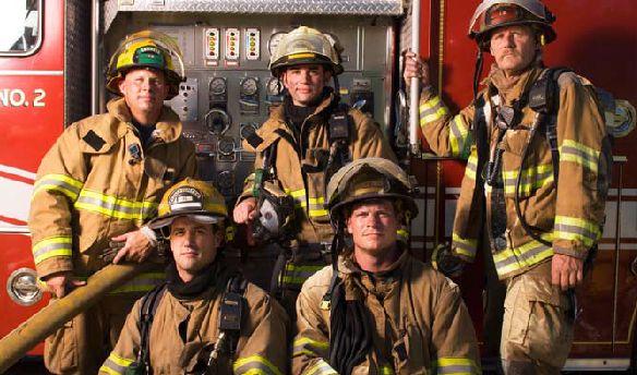 Екип пожарникари