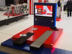 Медия и монитори на щанд на Тангра на Международния технически панаир Mostra Convegno Expocomfort